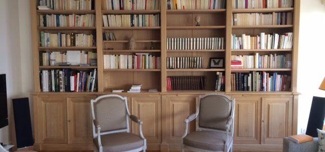 Grande bibliothèque en châtaigner de style néo-classique