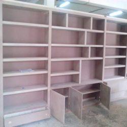 Bibliothèque meuble TV à l'atelier