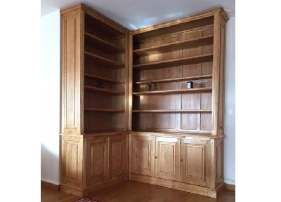 Bibliothèque d'angle ouvrante par cinq portes