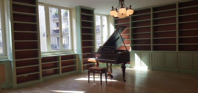 Bibliothèque livrée et posée dans le 1 er arrondissement de Paris