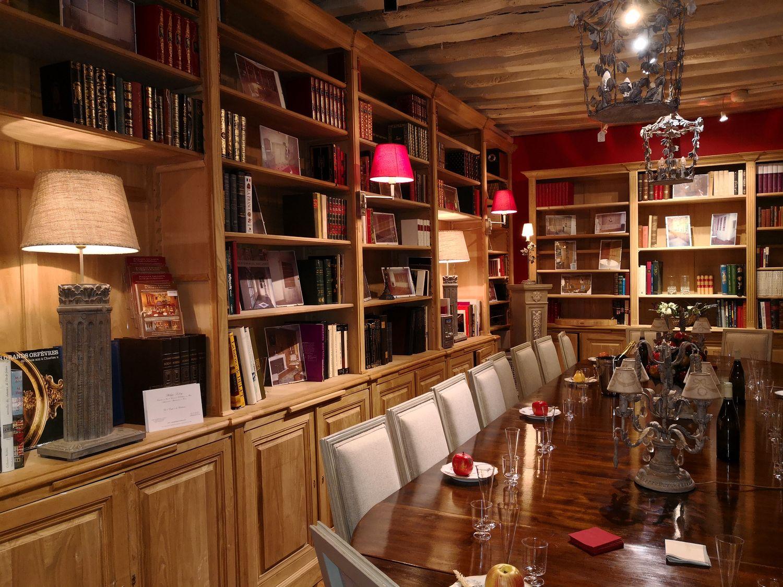 Intérieur du magasin d'agencement à Versailles