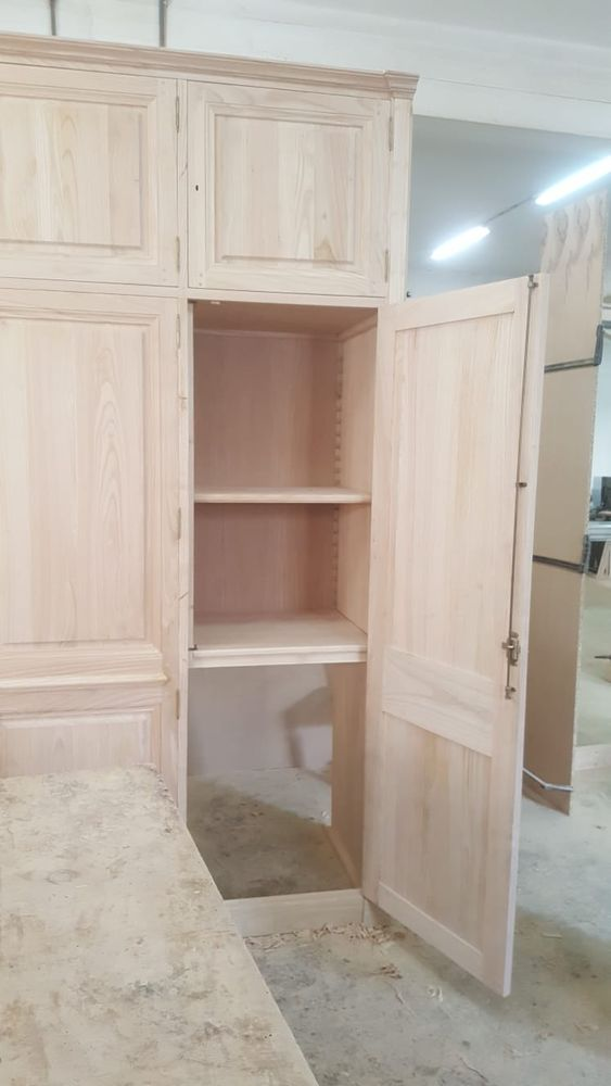 dressing et biblioth que sur le c t gauche en cours de r alisation l atelier. Black Bedroom Furniture Sets. Home Design Ideas