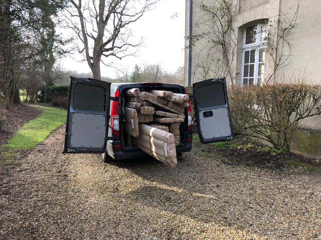 cartons-camionette-chateau