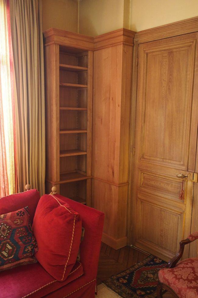 Réalisation sur mesure à Paris pour un appartement attenant aux champs de Mars