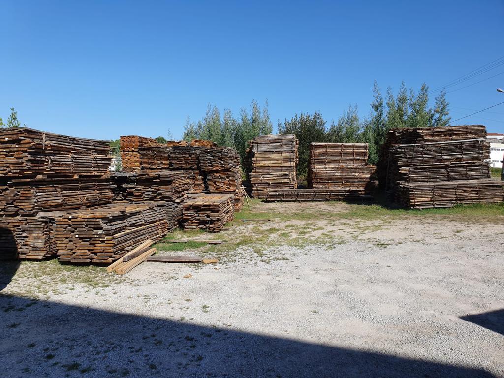 Stock de bois pour meubles