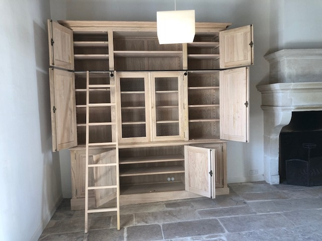 grand-meuble-rangement-ouvert