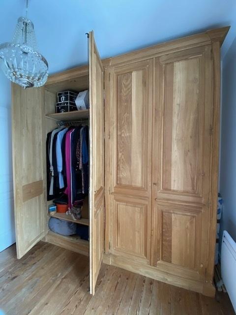 Dressing intemporel en bois naturel