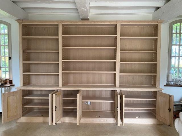 bibliotheque-bois-naturel-ouverte